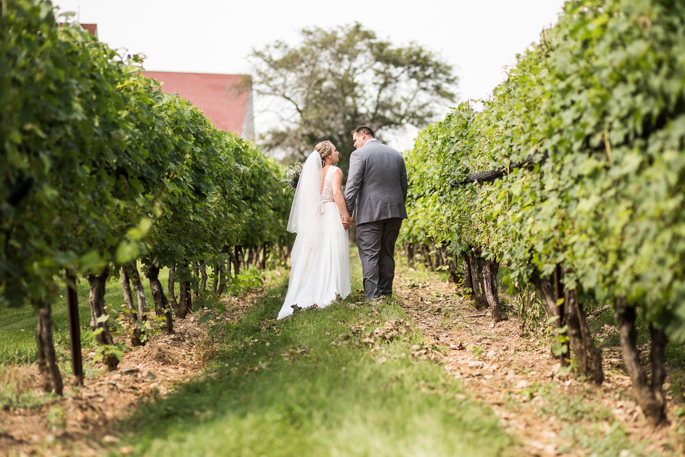 Jonathan Edwards Winery wedding in July