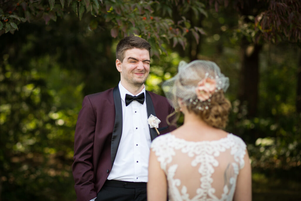 Mansion at bald Hill bride and grooom first look wedding photos